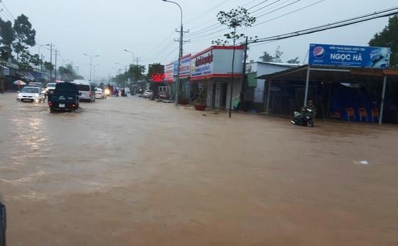 Hơn 200 bài viết phản ánh đợt ngập lớn ở Phú Quốc ảnh 2