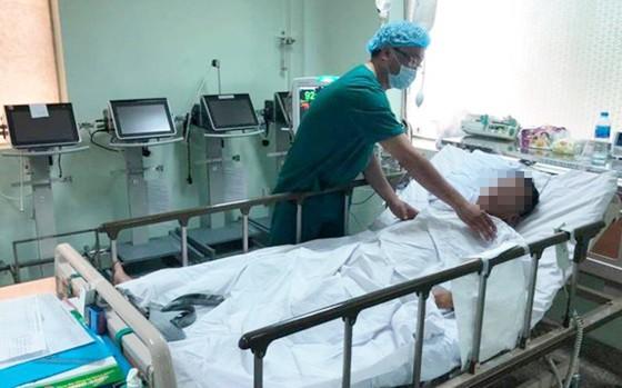 Cứu sống bệnh nhân u nang màng tim 'khủng'  ảnh 2