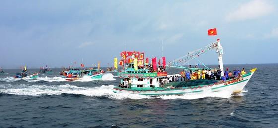 Tưng bừng lễ hội Nghinh Ông ở đảo Kiên Hải ảnh 2