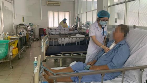 Liên tiếp phẫu thuật cứu sống 2 ca hẹp van động mạch chủ, nguy cơ đột tử cao ảnh 1