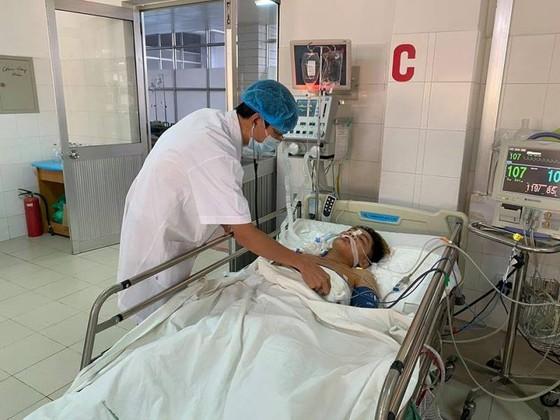 'Báo động đỏ' nội viện cứu sống bệnh nhân bị vết thương tim nguy kịch  ảnh 1