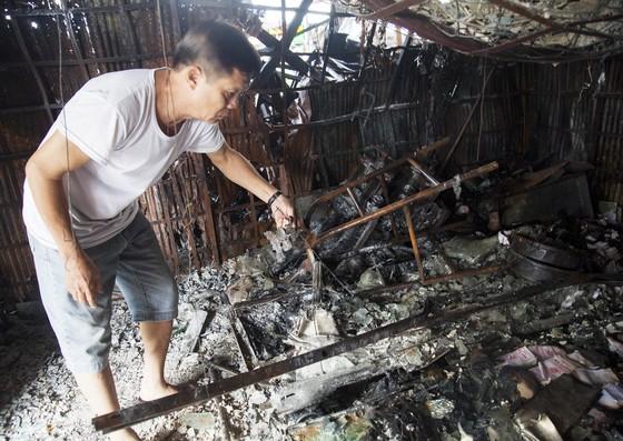 Cháy nhà lồng chợ Rạch Sỏi ở Kiên Giang thiệt hại khoảng 1,5 tỷ đồng ảnh 2