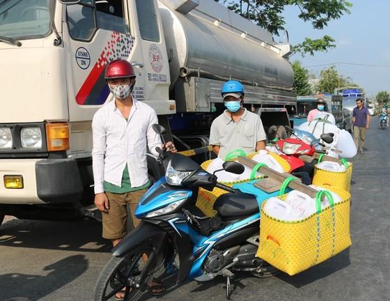 Hơn 22.554 hộ ở Tiền Giang được cấp nước ngọt cứu vườn cây ảnh 2