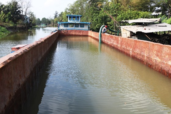 Hơn 22.554 hộ ở Tiền Giang được cấp nước ngọt cứu vườn cây ảnh 3