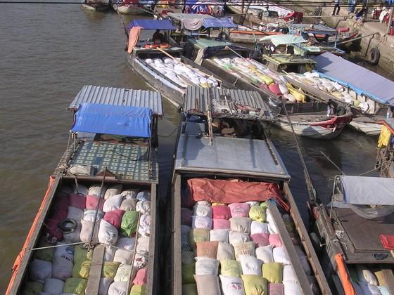 Kiến nghị gỡ khó hạn ngạch xuất khẩu 400.000 tấn gạo tháng 4 ảnh 1