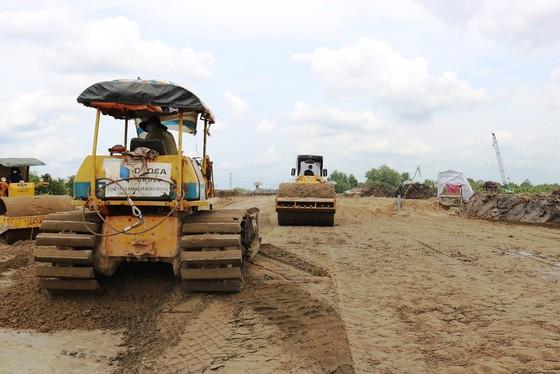 Cao tốc Trung Lương – Mỹ Thuận hoàn thành hơn 40% khối lượng  ảnh 2