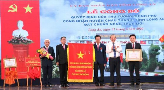 Long An: Huyện Châu Thành đạt chuẩn nông thôn mới ảnh 1