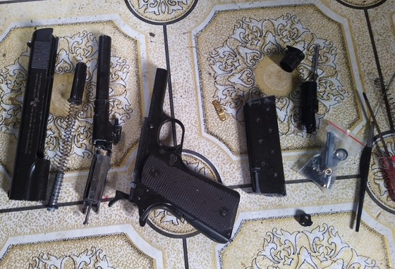 An Giang phá chuyên án ma túy, thu giữ 7 khẩu súng các loại ảnh 4