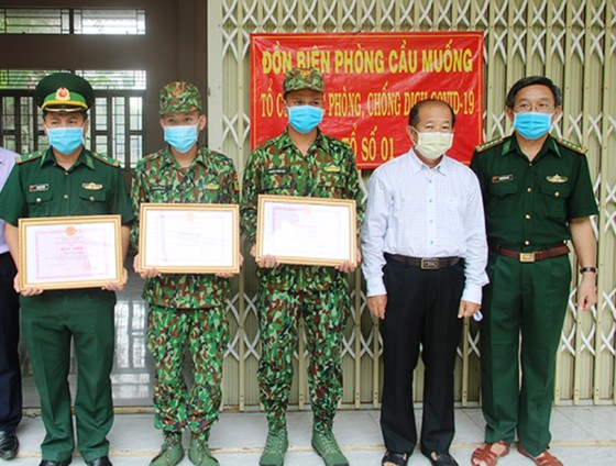Hơn 960 người dân Đồng Tháp về từ vùng dịch có kết quả âm tính với SARS-CoV-2 ảnh 2