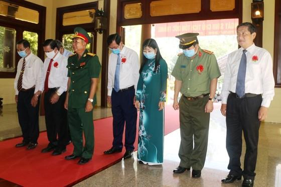 An Giang tổ chức kỷ niệm 132 năm Ngày sinh Chủ tịch Tôn Đức Thắng ảnh 2
