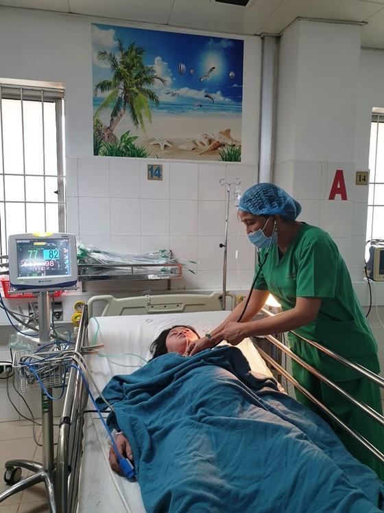 Phẫu thuật cứu sống kịp thời mẹ con sản phụ bị tim bẩm sinh tím nặng ảnh 1