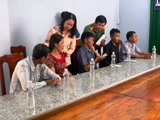 Bí thư Tỉnh ủy An Giang thăm các gia đình có nạn nhân bị đuối nước  ảnh 1