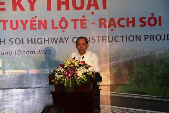 Phó Thủ tướng Thường trực Trương Hòa Bình phát lệnh thông xe kỹ thuật tuyến Lộ Tẻ - Rạch Sỏi ảnh 2