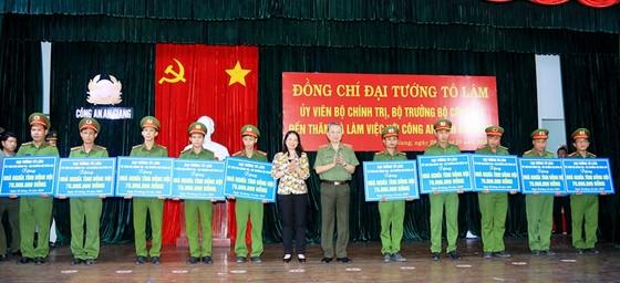 Đại tướng Tô Lâm làm việc với Công an tỉnh An Giang ảnh 2