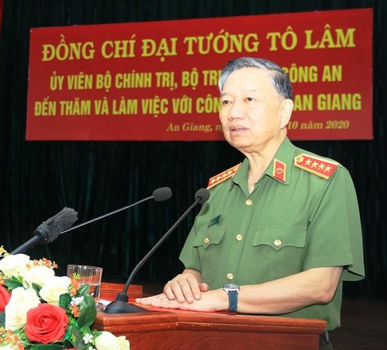 Đại tướng Tô Lâm làm việc với Công an tỉnh An Giang ảnh 1