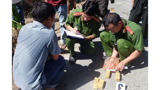 Phó Thủ tướng Thường trực Trương Hòa Bình gửi thư khen Công an tỉnh An Giang bắt 51kg vàng 9999  ảnh 3