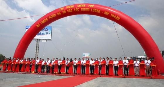 Cao tốc Trung Lương – Mỹ Thuận chính thức thông tuyến kỹ thuật ảnh 1
