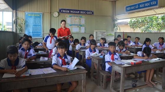 An Giang lùi thời gian cho học sinh trở lại trường đến ngày 22-2 ảnh 1