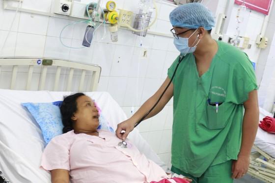 Sản phụ bị hội chứng HELLP rất nặng được cứu sống kịp thời cả mẹ và con ảnh 1
