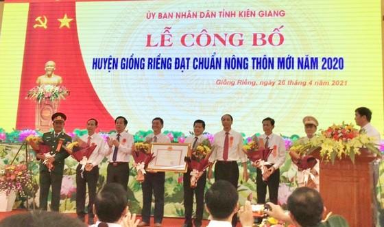 Kiên Giang: Công bố huyện Giồng Riềng đạt chuẩn nông thôn mới ảnh 1