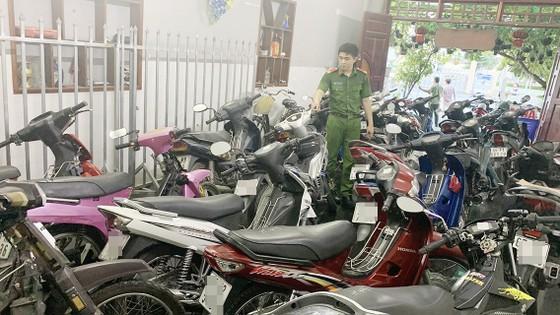 Phát hiện số lượng lớn xe mô tô không giấy tờ trong cơ sở cầm đồ ở An Giang ảnh 1