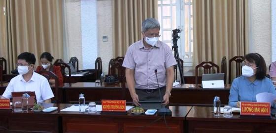 Bộ Y tế điều động khẩn cấp lực lượng chi viện cho Đồng Tháp dập dịch Covid-19 ảnh 2