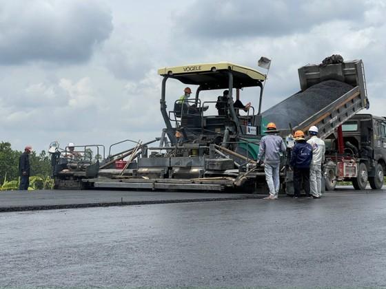 Ứng 500 tỷ đồng nhằm đẩy nhanh thi công tuyến cao tốc Trung Lương - Mỹ Thuận  ảnh 2