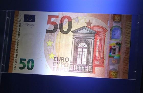 ECB giới thiệu 50EUR mới chống tiền giả ảnh 1