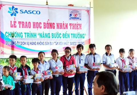 SASCO khoan giếng nước tặng vùng hạn mặn ảnh 1