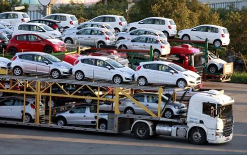 Giữ hay bỏ một số điều kiện nhập khẩu ô tô ảnh 1
