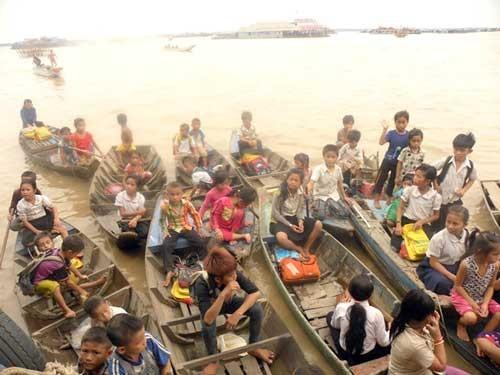 Gặp những người Việt ở Biển Hồ ảnh 1
