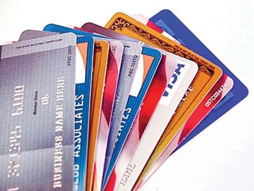 Thẻ ATM dễ mở, dễ bị lợi dụng ảnh 1