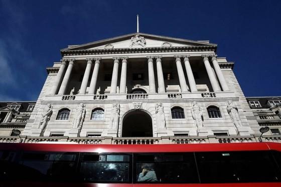 NHTW Anh nâng dự báo tăng trưởng kinh tế ảnh 1