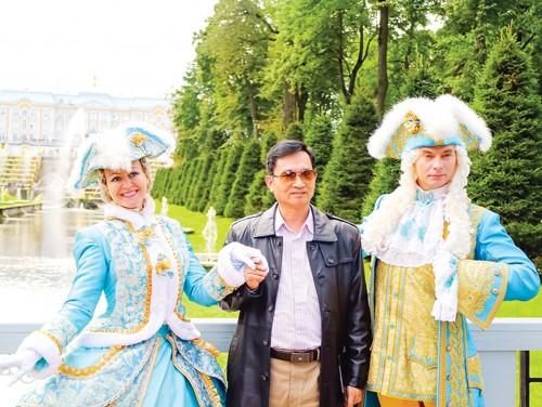 Lộng lẫy Peterhof ảnh 6