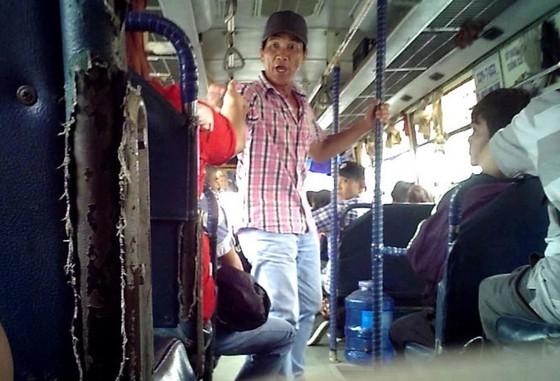 Ai bảo vệ người dân đi xe buýt? ảnh 1