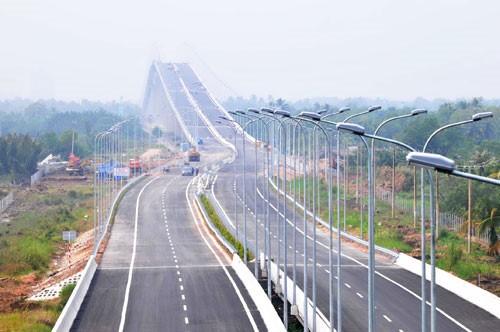 14.000 tỉ đồng làm cao tốc Vân Đồn - Móng Cái ảnh 1