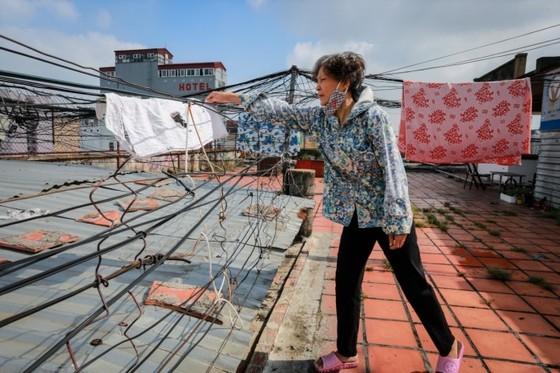 Cuộc sống trong chung cư cũ ở phố Tây Sài Gòn ảnh 3