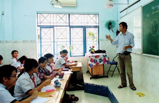Chạnh lòng thu nhập nghề giáo ảnh 1