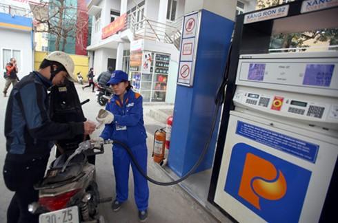 Hụt thu 10.000 tỷ thuế xuất nhập khẩu xăng dầu ảnh 1