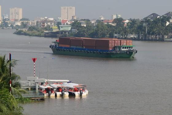 """TPHCM xây cảng sà lan Cát Lái """"cứu"""" đường bộ ảnh 1"""