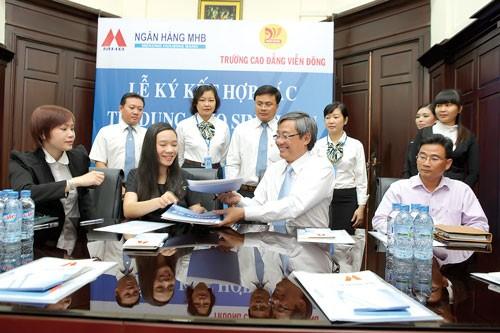 MHB chi nhánh Sài Gòn: Tín dụng ưu đãi SV ảnh 1