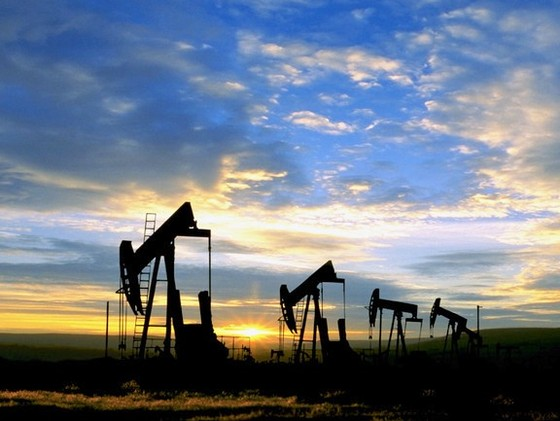 Tăng gần 1% giá dầu lên sát 107USD/thùng ảnh 1
