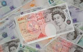 Fitch hạ xếp hạng nợ Anh xuống tiêu cực ảnh 1