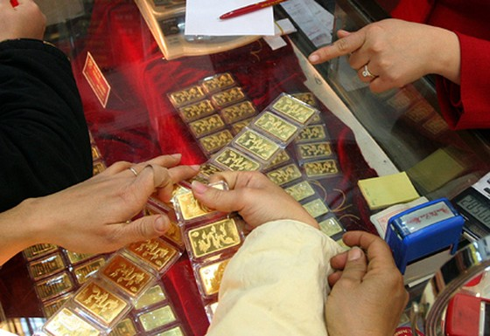 Người dân gửi 2,4 triệu lượng vàng tại NH ảnh 1