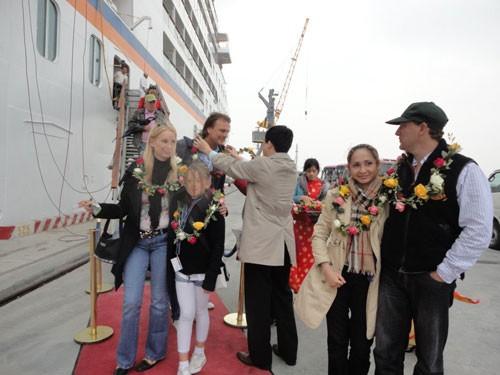 Khởi sắc du lịch tàu biển ảnh 1