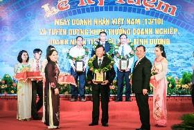 Tôn Đông Á nhận DN tiêu biểu tỉnh Bình Dương ảnh 1