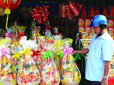 Hà Nội: Chuẩn bị hàng hóa Tết Nguyên đán 2012 ảnh 1