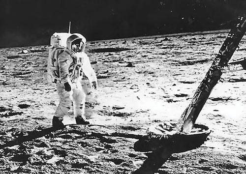 Chạy đua vào vũ trụ (K1): Long tranh hổ đấu ảnh 1