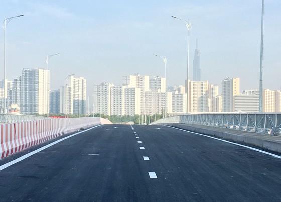 Thông xe cầu qua đảo Kim Cương quận 2 ảnh 3