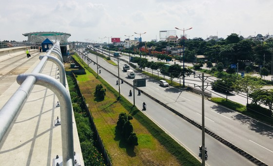 Quốc hội khảo sát thực tế để gỡ vướng cho metro Bến Thành - Suối Tiên ảnh 4